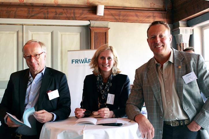 Gunnar Hökmark, Isabella Jernbeck och Anti Avsan. Foto Erika Aldenberg
